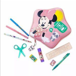 Disney store Disney art Minnie Mouse stationarykit